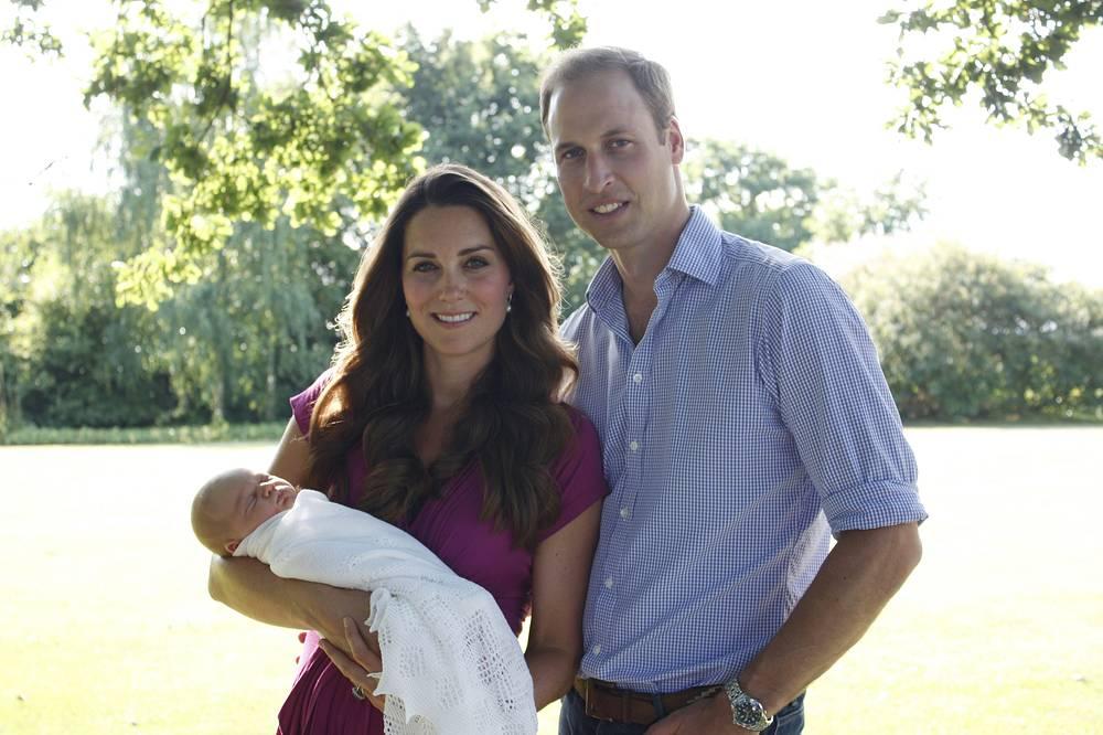 Герцогиня Кембриджская и принц Уильям с сыном Джорджем