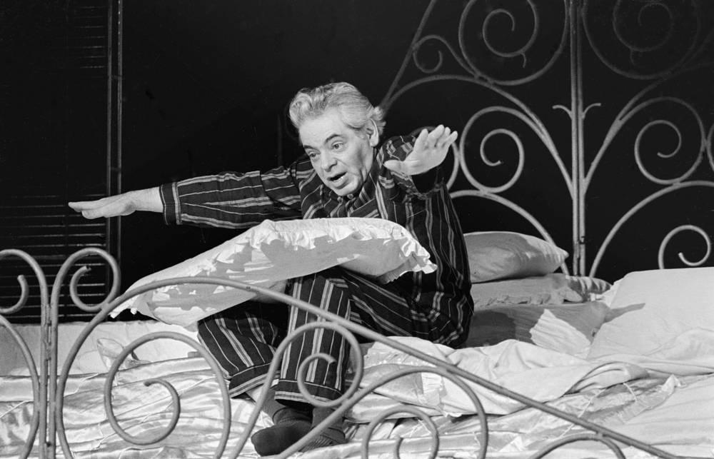 """Во время исполнения мономиниатюры """"Рассуждения в постели"""", 1972 год"""