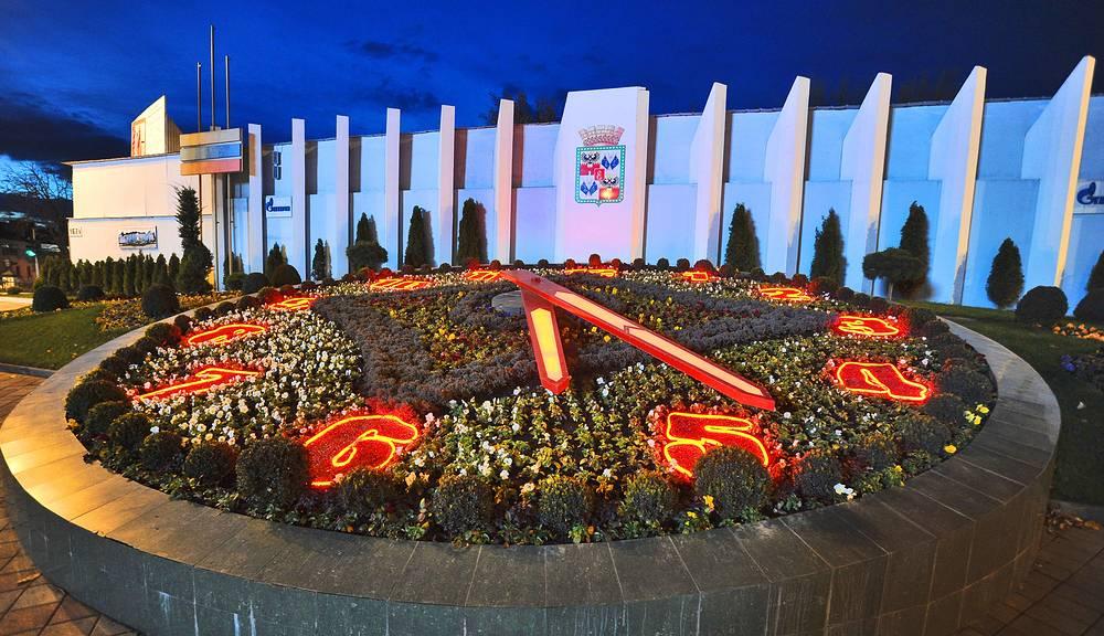 Цветочные часы в Краснодаре
