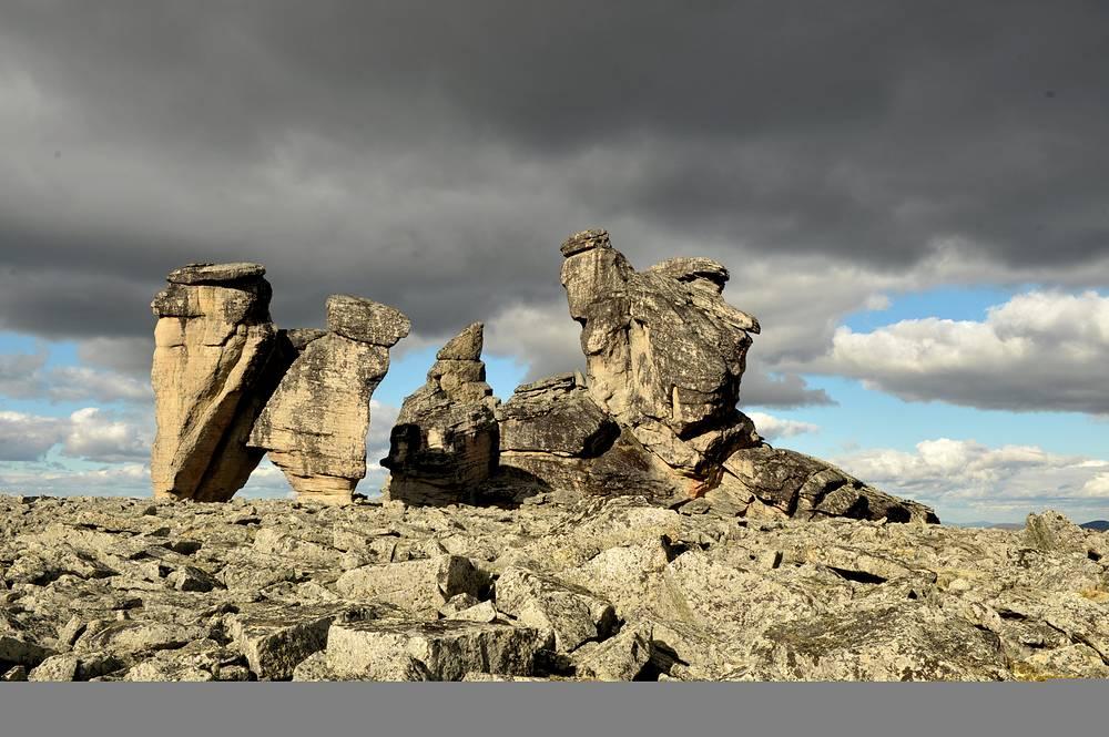 Камень благословения (арка) и Камень судьбы