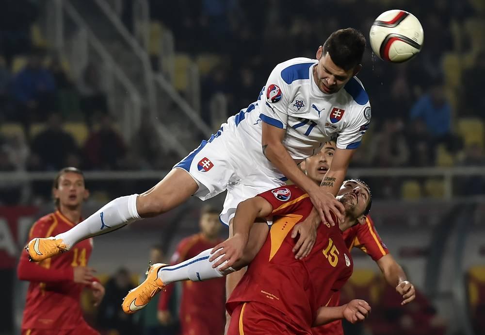 Возглавляет же таблицу группы С словаки, которые одержали четвертую победу подряд, обыграв македонцев.
