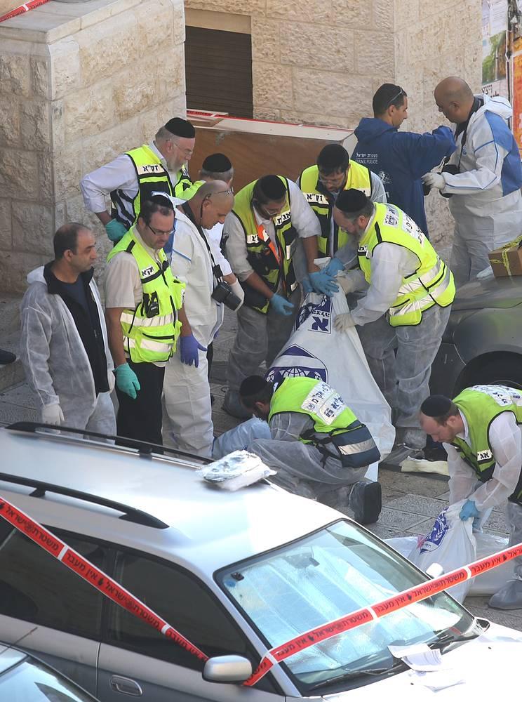 """Представители """"Народного фронта освобождения Палестины"""" назвали теракт """"естественной реакцией"""" на осквернение священной для мусульман мечети Аль-Акса, расположенной на Храмовой горе в Иерусалиме"""