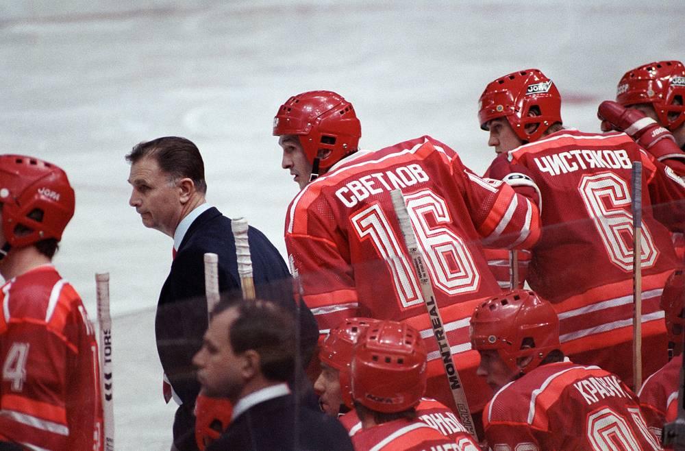 Виктор Тихонов - старший тренер сборной СССР. 1987 год