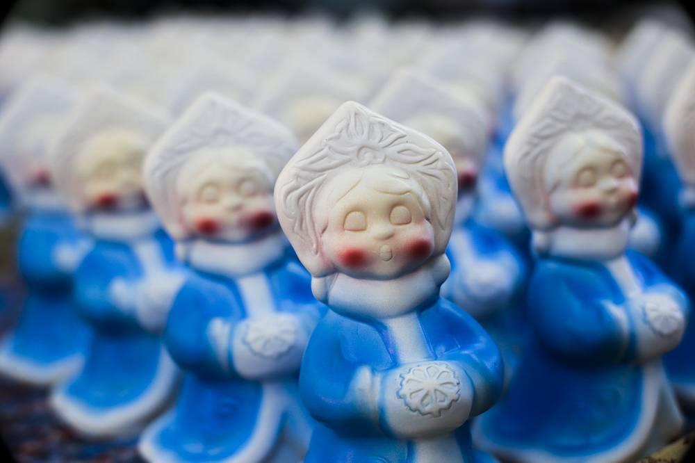 """Кроме стеклянных елочных игрушек """"Бирюсинка"""" выпускает ещё и игрушки из других материалов"""