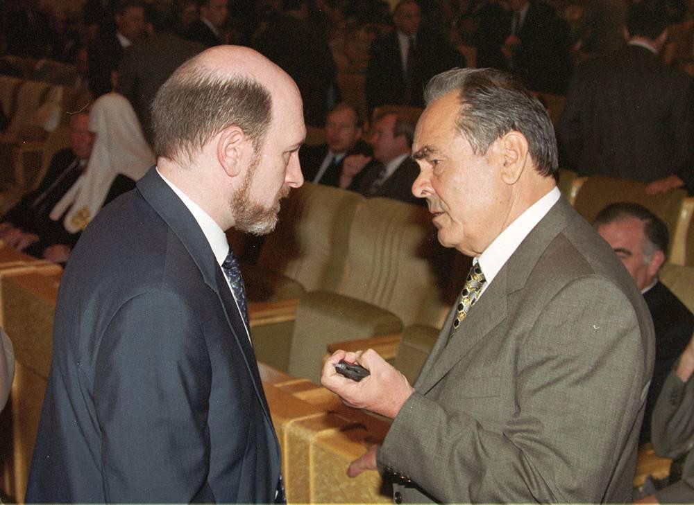 Глава администрации президента РФ Александр Волошин и президент Татарстана Минтимер Шаймиев