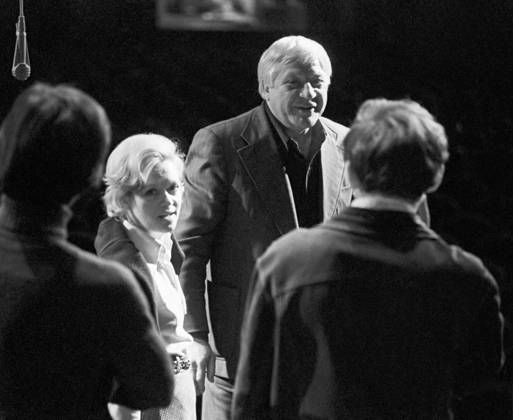 Алиса Фрейндлих и Игорь Владимиров на репетиции в театре имени Ленсовета, 1977 год