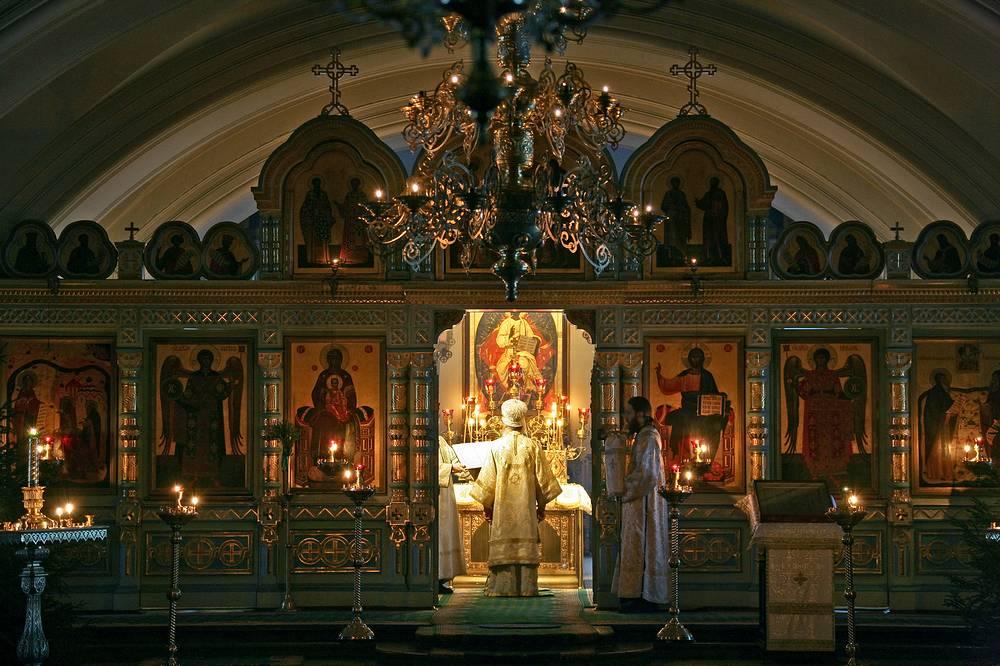 Нижний храм во имя Преподобных Сергия и Германа