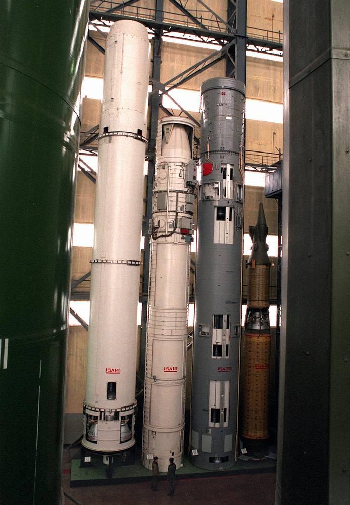 Ракеты SS-18, SS-17, SS-19, SS-20  в учебно-тренировочном центре военной академии имени Дзержинского в городе Балабаново