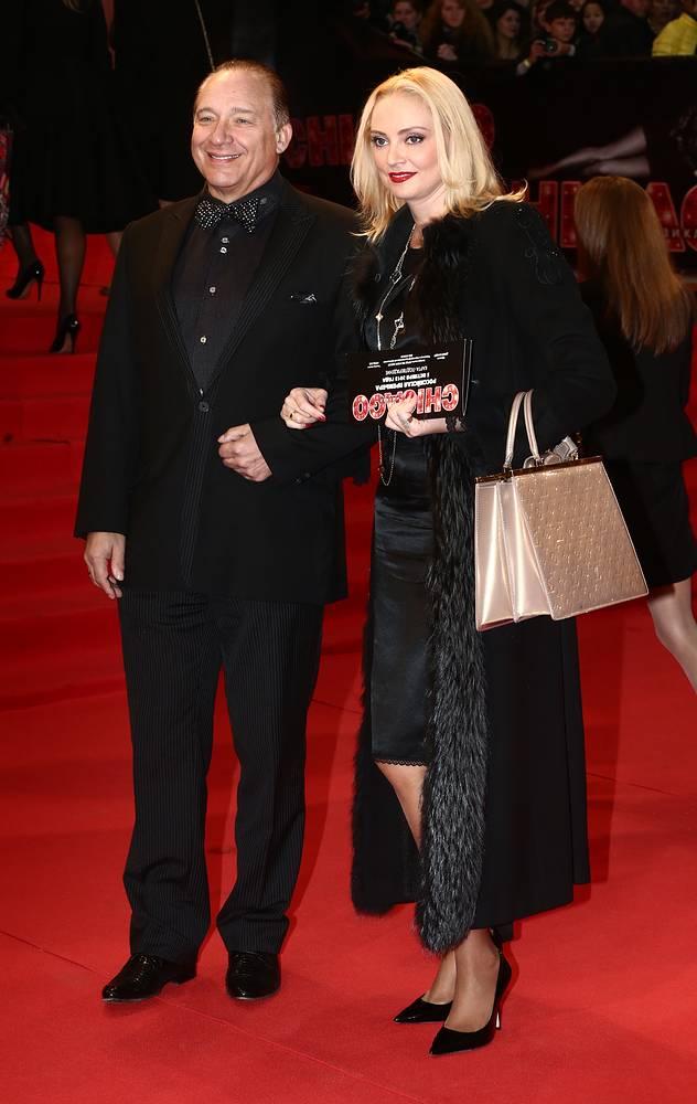Максим Дунаевский с супругой Мариной на премьере мюзикла Chicago, 2013 год