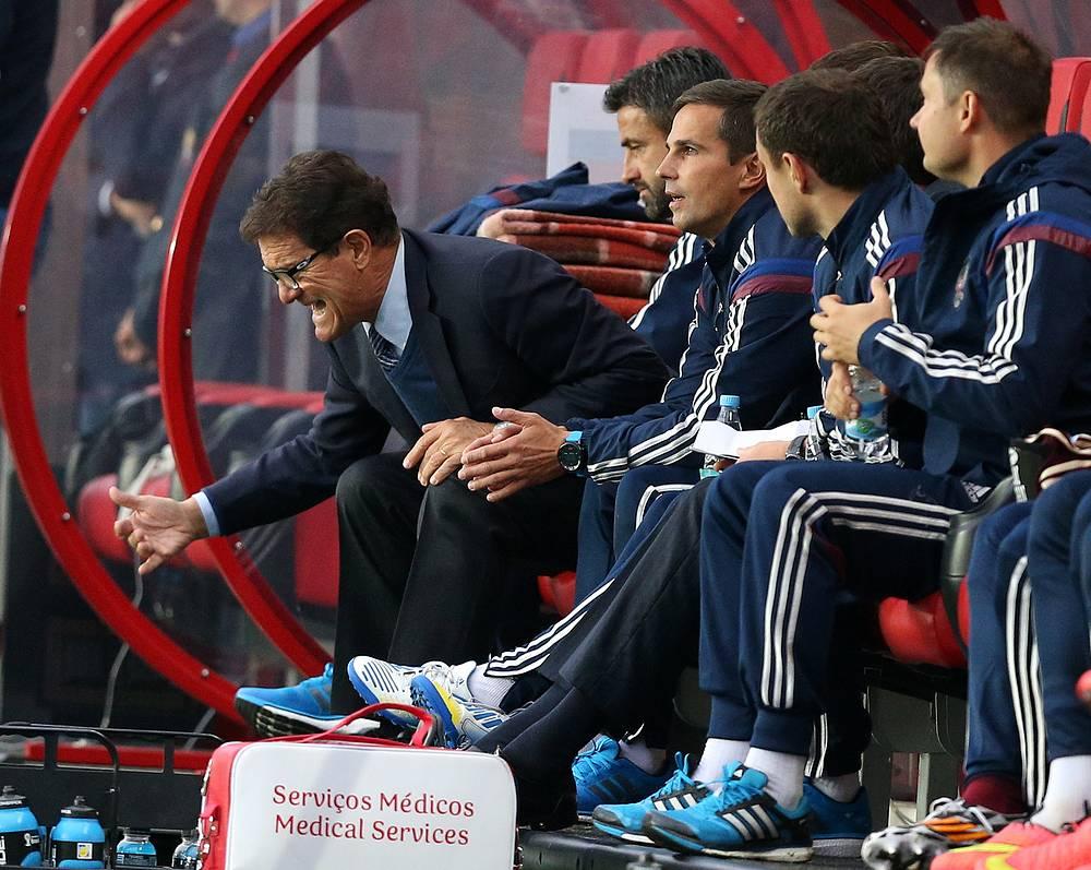 В августе появились первые сообщения, что итальянец и его тренерский штаб уже несколько месяцев не получают зарплату. На фото: Фабио Капелло во время товарищеского матча Россия - Азербайджан (4:0) в Химках, 3 сентября 2014 года