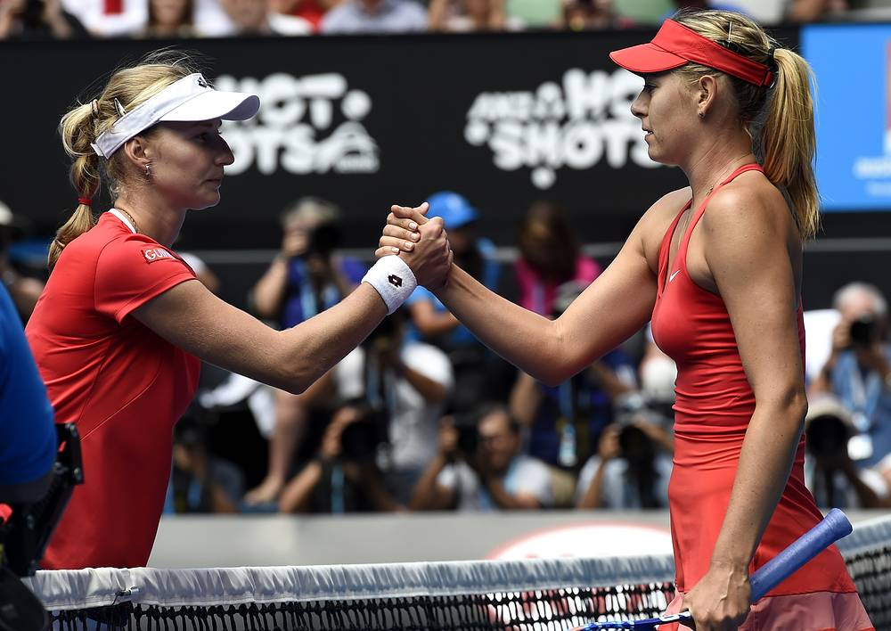 Мария Шарапова и Екатерина Макарова благодарят друг друга за игру