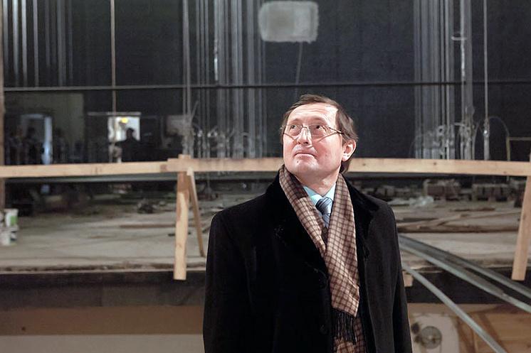 Министр культуры Свердловской области Павел Креков в здании Нижнетагильского театра драмы