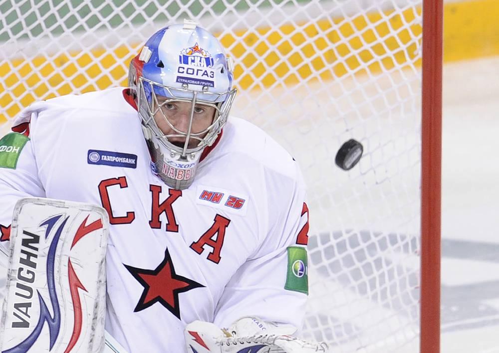 В июле 2010 Евгений Набоков перешел в петербургский СКА, но не сумел закрепиться в составе. В декабре клуб и игрок расторгли контракт по обоюдному согласию сторон