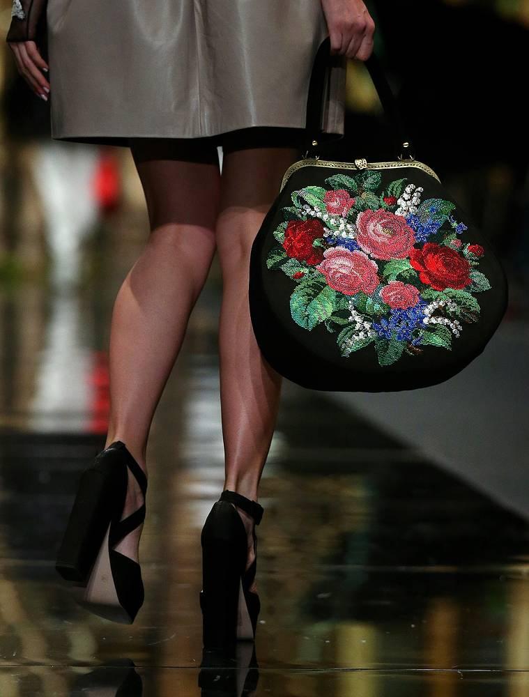 Показ коллекции дизайнера Александра Арутюнова в рамках Moscow Fashion Week в Гостином дворе