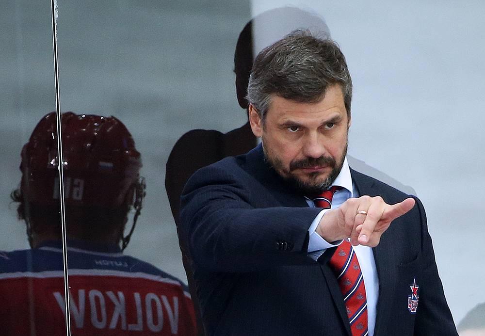 Наставник московских армейцев Дмитрий Квартальнов, несмотря на невыход в финал Кубка Гагарина, может занести этот сезон себе в актив. В его дебютном сезоне ЦСКА удалось выиграть золото национального чемпионата впервые с 1989 года