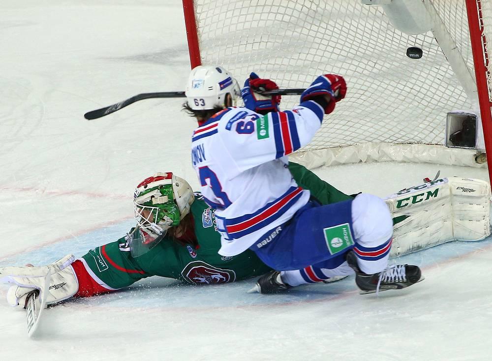 Форвард СКА Евгений Дадонов установил снайперский рекорд в плей-офф КХЛ. На его счету 15 шайб в розыгрыше Кубка Гагарина