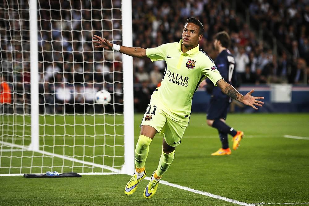 Бразильский форвард испанского клуба Неймар провел в турнире на одну игру меньше, чем Лионель Месси. На его счету 6 результативных ударов