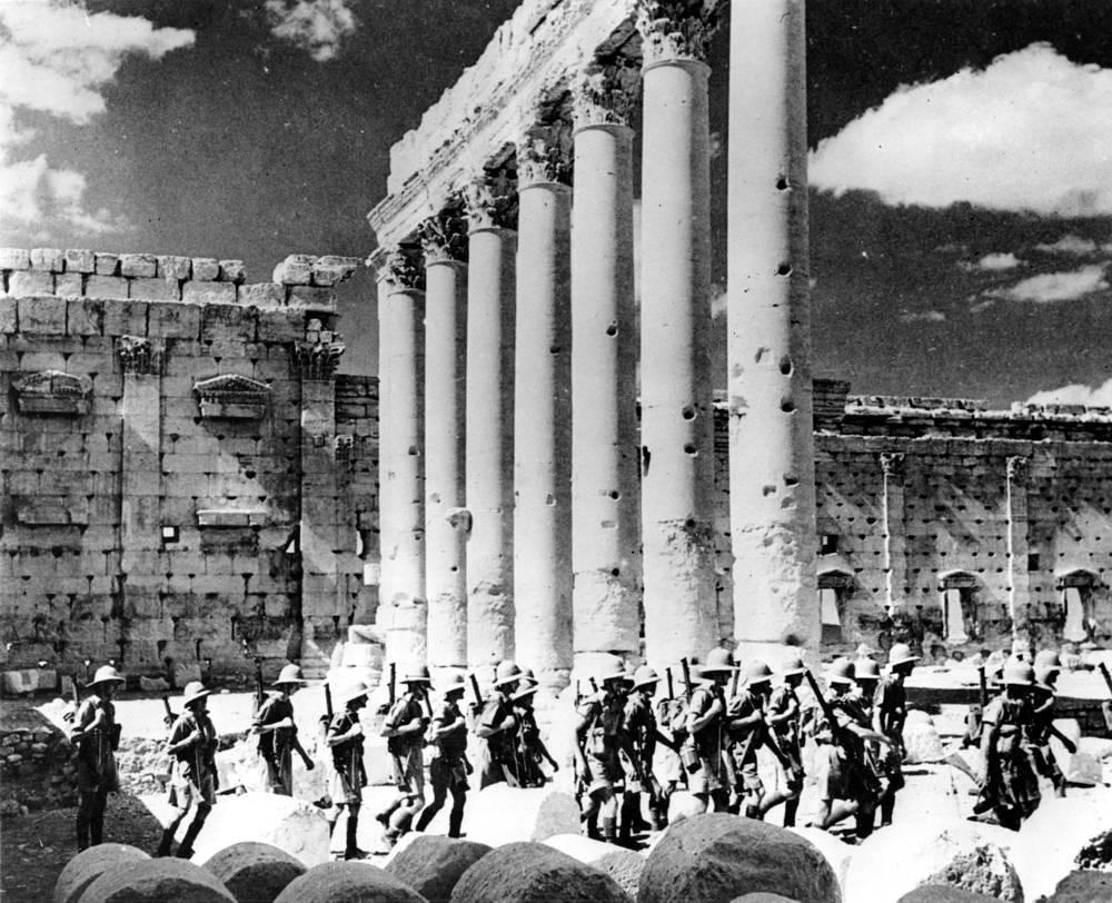 Развалины Пальмиры были обнаружены английскими купцами в конце XVII в., археологические раскопки начались в XX в.