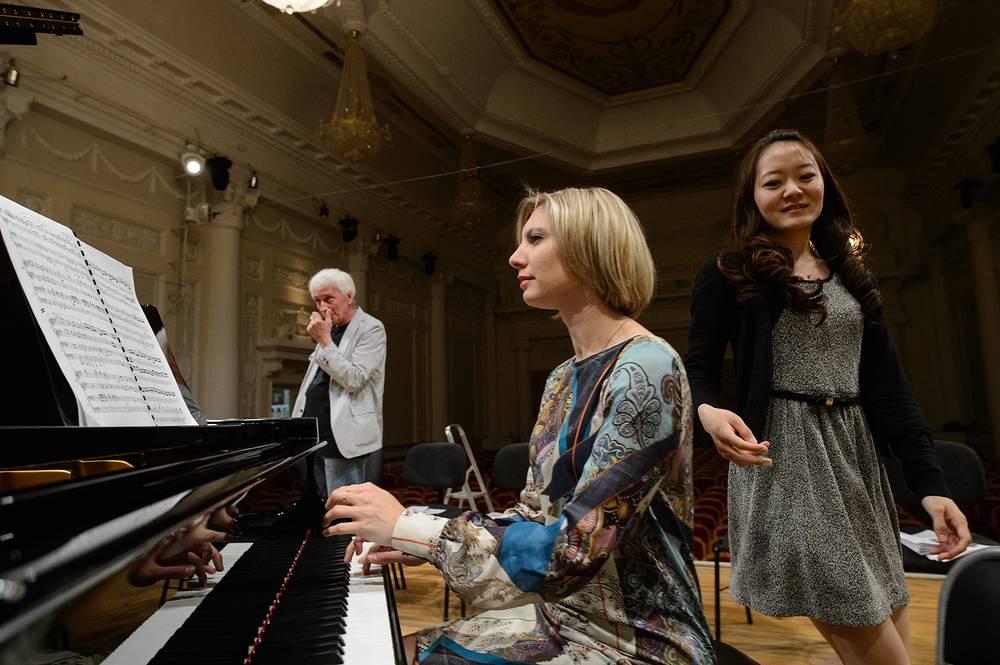 Елена Кузнецова (Москва) и Шино Хидака (Япония)