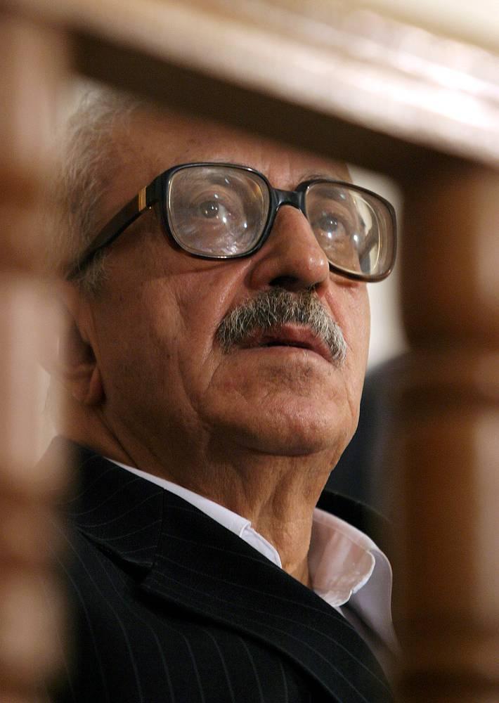 11 марта 2009 г. Тарик Азиз был приговорен к 15 годам лишения свободы по обвинению в убийстве нескольких десятков человек.  На фото: Тарик Азиз в зале суда в Багдаде, 2004 год