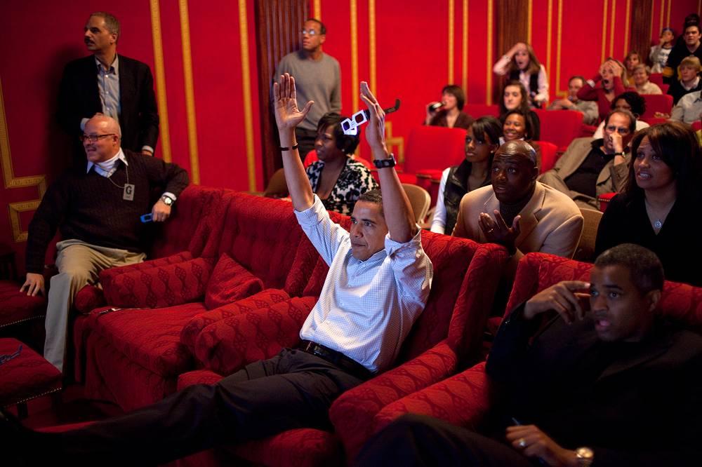 Президент Обама в семейном театре в Белом доме, 2009 год