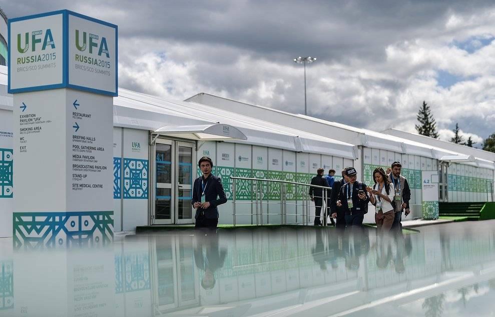 Журналисты в Международном пресс-центре, открытом для освещения мероприятий саммитов ШОС и БРИКС в Уфе