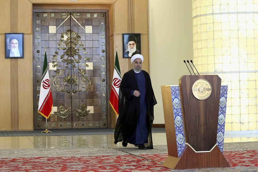 Президент Ирана Хасан Роухани во время обращения к нации, Тегеран