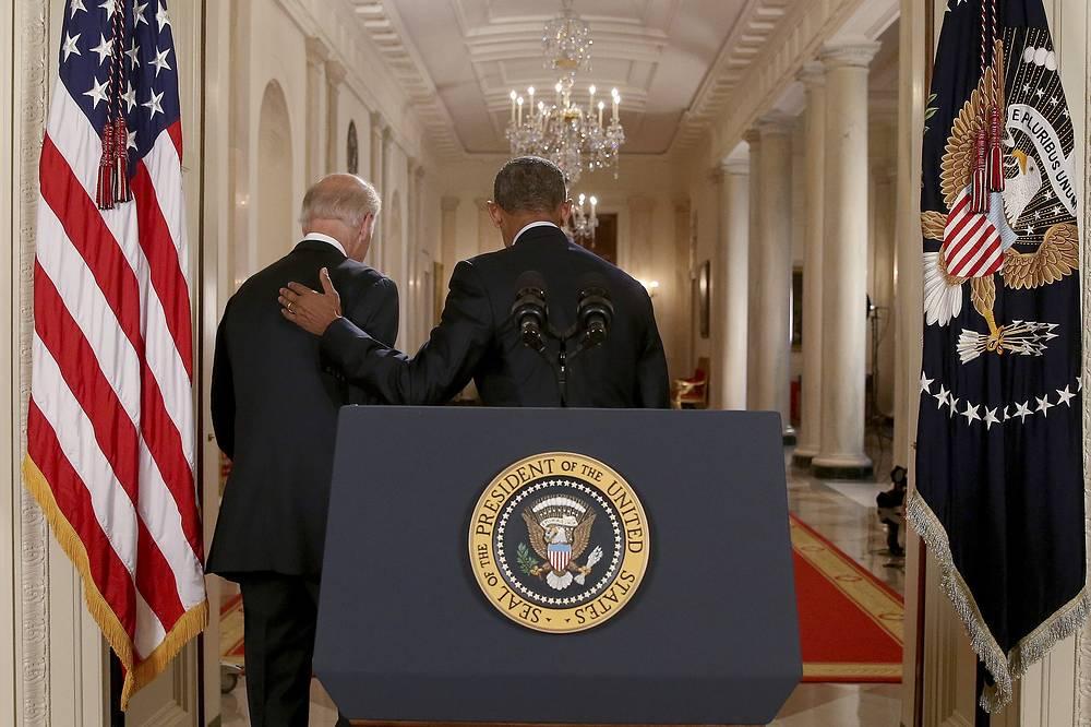 Вице-президент Джо Байден и президент США Барак Обама после обращения к нации, Вашингтон