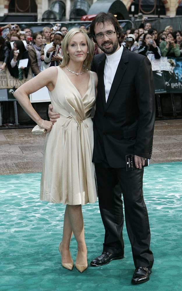 """Джоан Роулинг с мужем Нейлом Мюрреем на премьере фильма """"Гарри Потер и Орден Феникса"""", Лондон, 2007 год"""