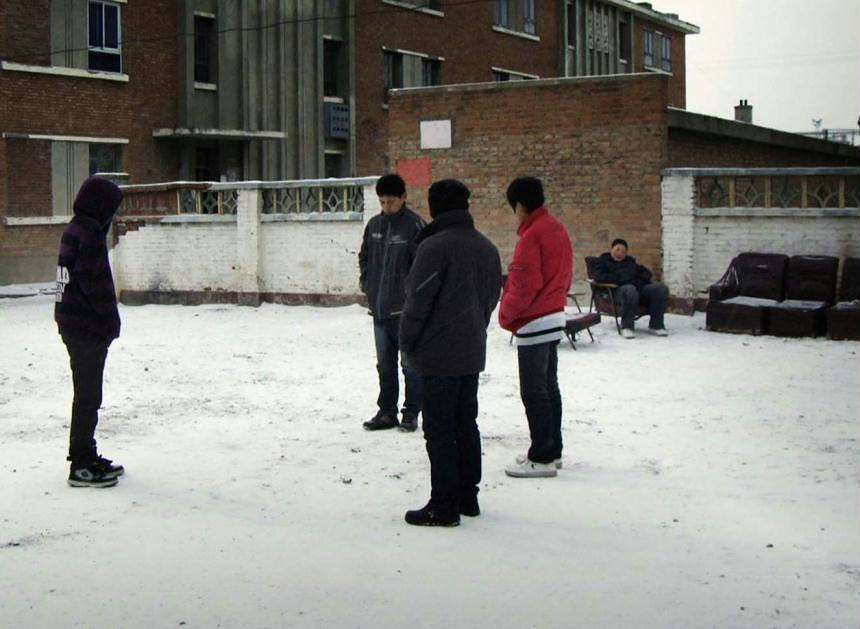 """Кадр из фильма """"Зимние каникулы"""", режиссер Ли Хунци"""