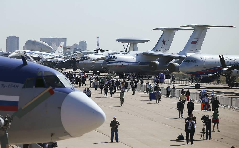 Авиационная техника на МАКС-2015