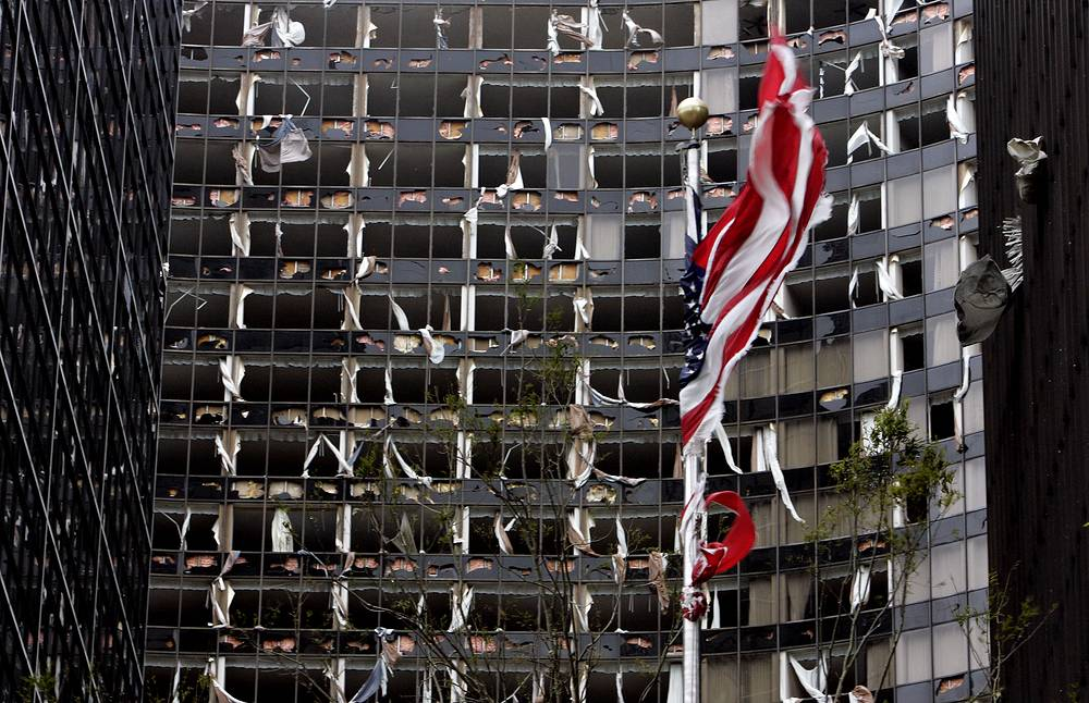 """Гостиница Hyatt в Новом Орлеане после урагана """"Катрина"""", 11:30, 29 августа"""