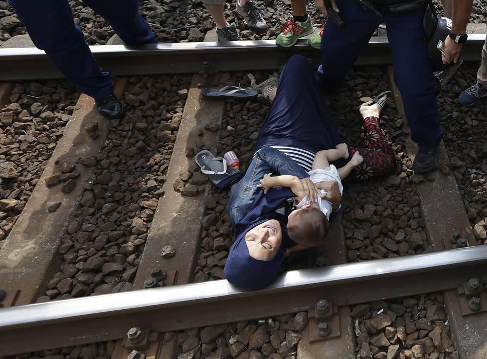 Ситуация с мигрантами на станции Бичке в Венгрии, 3 сентября