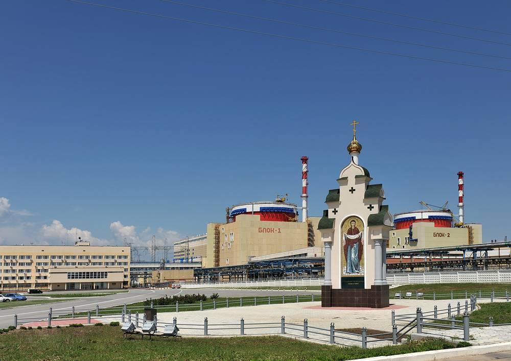 Ростовская АЭС близ г. Волгодонска в Ростовской области в 2001 г. стала первой атомной электростанцией, открытой после распада СССР. Имеет 3 реактора мощностью 1 тыс. МВт каждый, последний введен в эксплуатацию 18 сентября 2015 г.