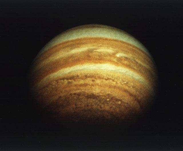 Снимок Юпитера, сделанный космическим аппаратом NASA Pioneer 11, 4 декабря 1974 года
