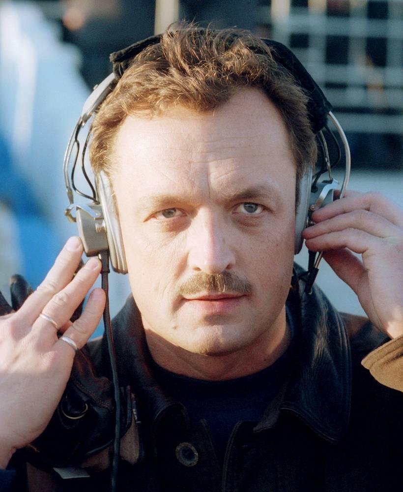 Гусев дебютировал в качестве комментатора в 1993 году. Дважды он совмещал эту работу с должностью пресс-атташе сборной России