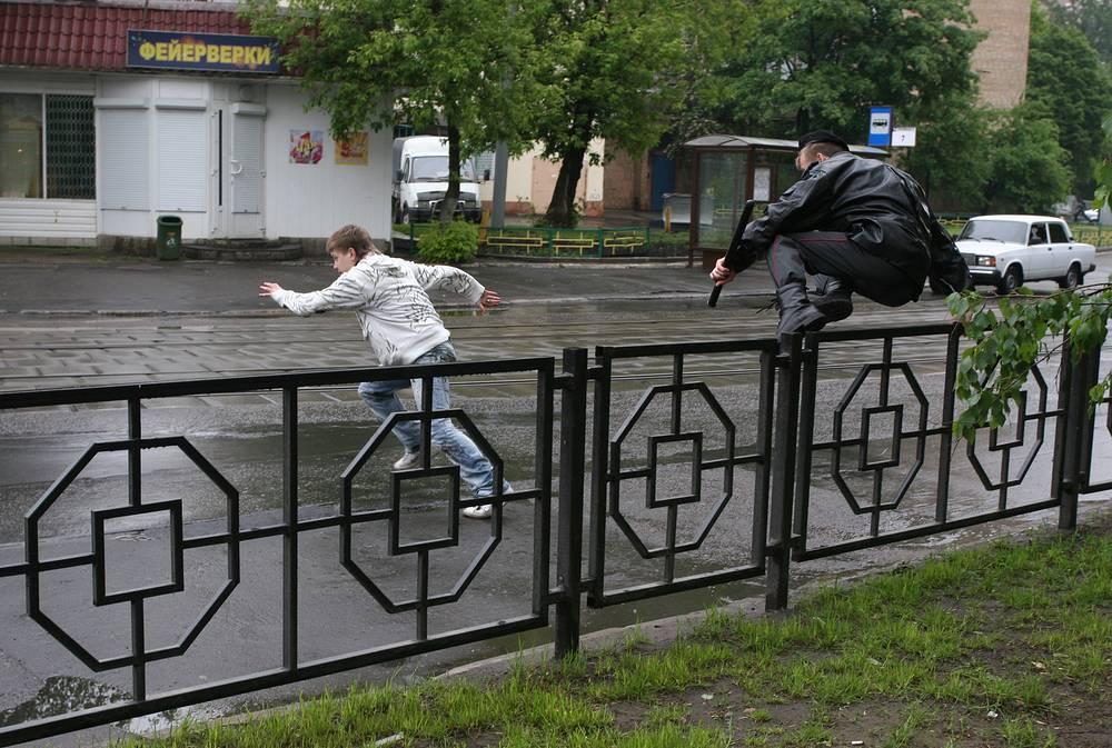 Погоня за нарушителем на одной из улиц Москвы, 2008 год