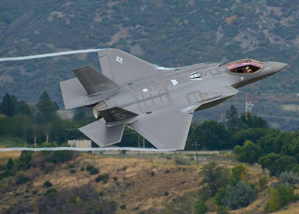 Истребитель-бомбардировщик F-35A