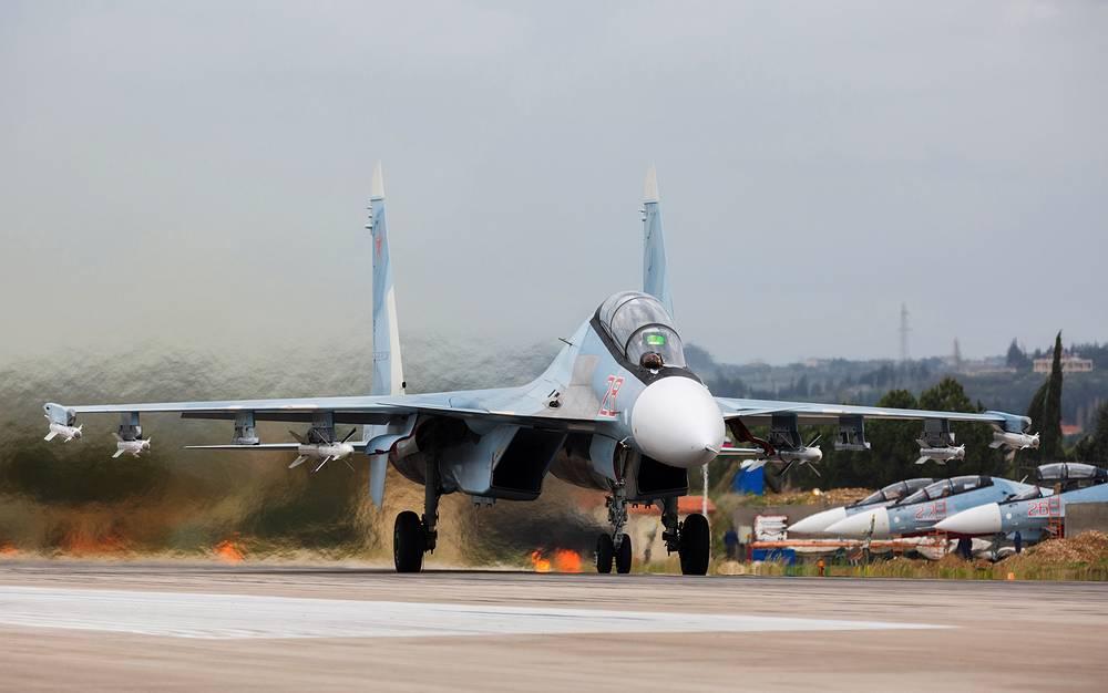 Двухместный многоцелевой истребитель Су-30