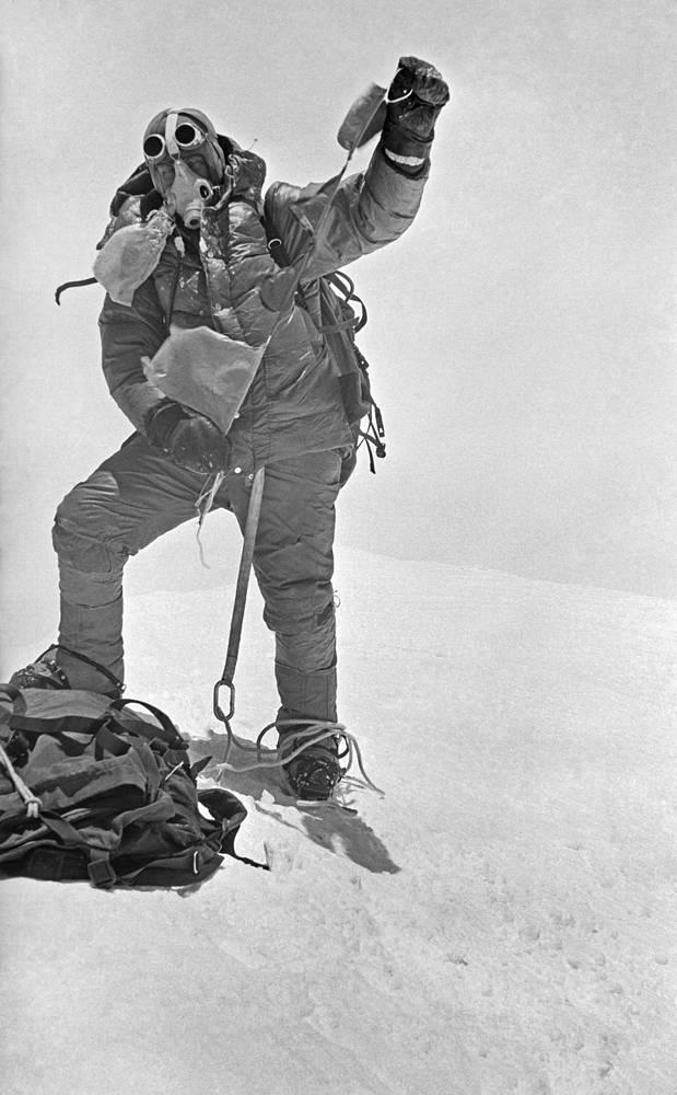 Владимир Пучков на вершине Эвереста