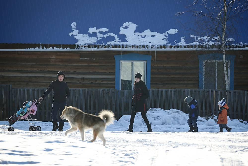 Местные жители в селе Кемпендяй