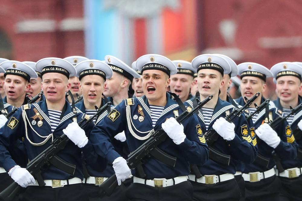 Курсанты Тихоокеанского высшего военно-морского училища имени адмирала Макарова