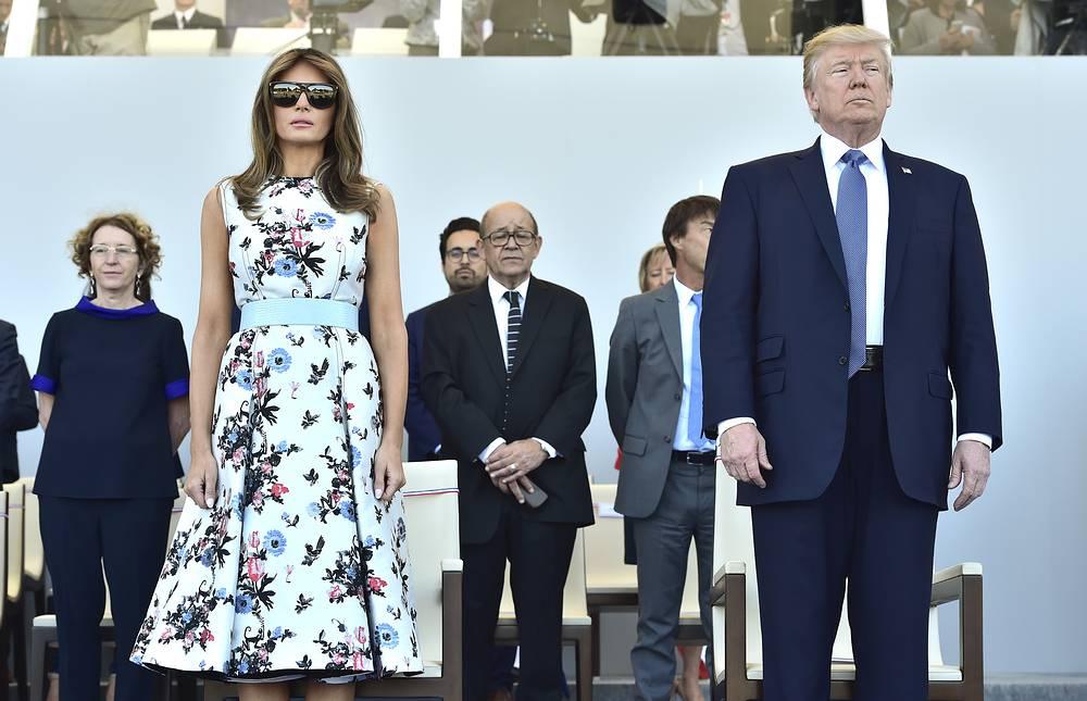 Сразу же после завершения военного смотра Трамп и его супруга, в соответствии с программой визита, отбыли из французской столицы на родину