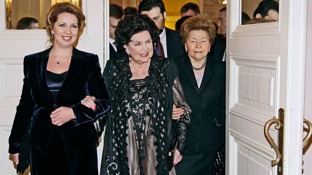 Светлана Медведева, Галина Вишневская и Наина Ельцина.  2010 год