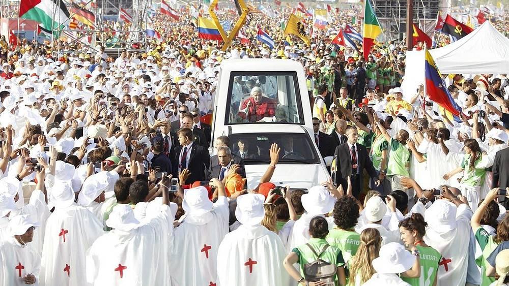 Папа Римский Бенедикт XVI принял участие в праздновании Всемирного дня молодежи в Мадриде