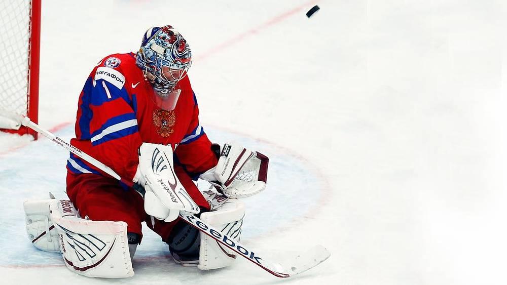Вратарь сборной России Семен Варламов