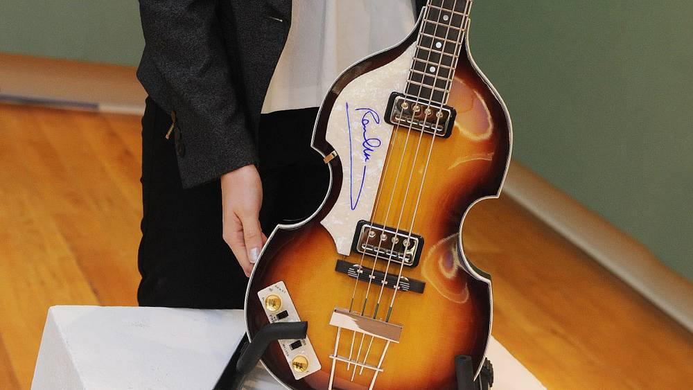 Бас-гитара Пола Маккартни