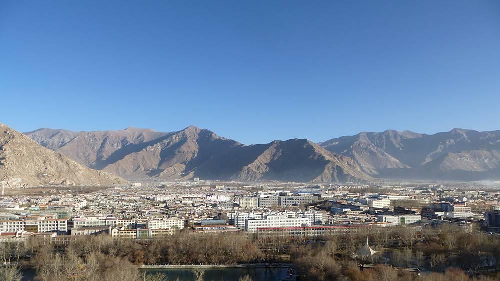 Вид на город Лхаса