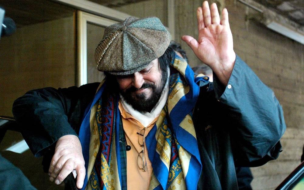 2003 год. Лучано Паваротти. Фото EPA/GIORGIO BENVENUTI