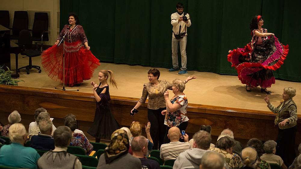 Праздничный концерт в Госпитале ветеранов войн №3. Фото Петр Шкода